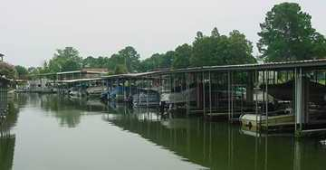 marinas on Cedar Creek Lake